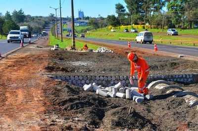 Construyen las primeras intersecciones de desvío por obras del multiviaducto en CDE