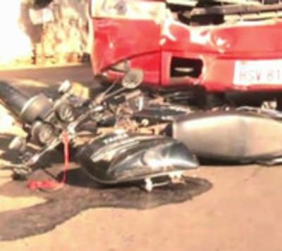 Motociclista muerte tras chocar contra bus en Fernando de la Mora
