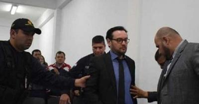 Condenan a abogado que arrojó a su novia del séptimo piso