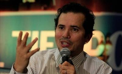 HOY / John Leguizamo: los estereotipos en Hollywood desaparecen con latinos más fuertes