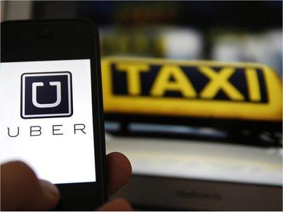 Edil dice que no puede haber trato igualitario entre taxi, Uber y MUV