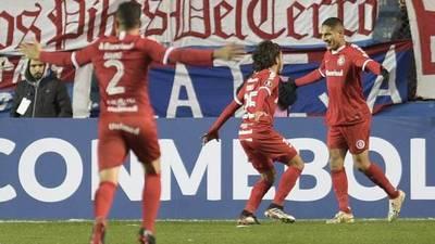 Internacional saca ventaja ante Nacional gracias al gol de Paolo Guerrero