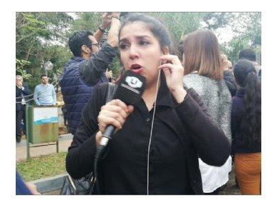 Taxista negó tocarle los pechos a periodista
