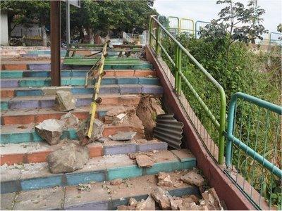 Mirador de Ita Pytã Punta se cae a pedazos   y clausuran el paso