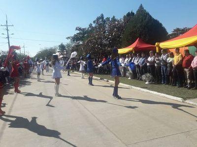"""Colorido desfile en la """"Cuna de la Amistad"""""""