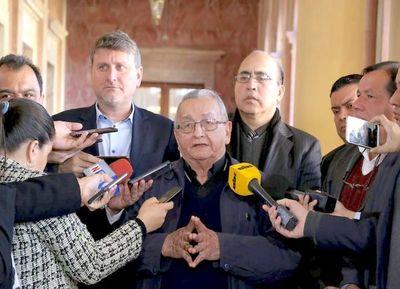 Comité de Iglesias no apoya juicio político, pero pide esclarecer