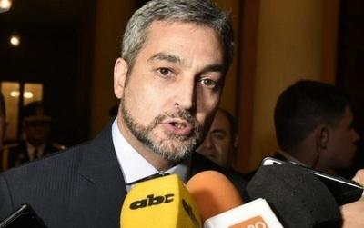 Abdo Benítez trata de justificar chats filtrados