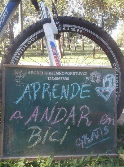 Lecciones para aprender a andar en bici en el Ñu Guasu a cualquier edad