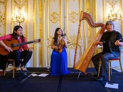 Concierto de Ysando, con  sonidos de arpa paraguaya,  violín y  guitarra