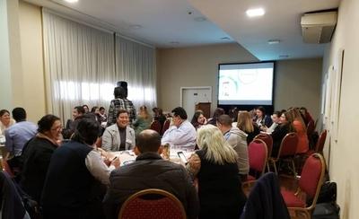 HOY / Especialización en gestión e  innovación: 47 docentes traen  de Chile experiencia de punta