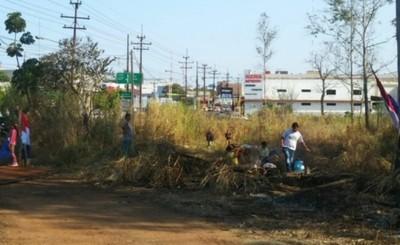 """""""Sin Tierras"""" encabezados por Mbururú invaden propiedad en el Km 4"""