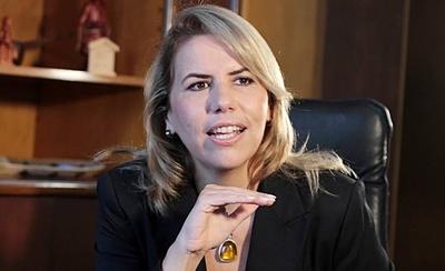 HOY / Ministra Cramer dice sentirse segura en el cargo
