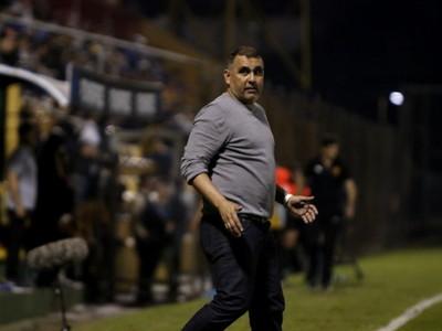 Deportivo Santaní destituye a Pedro Sarabia