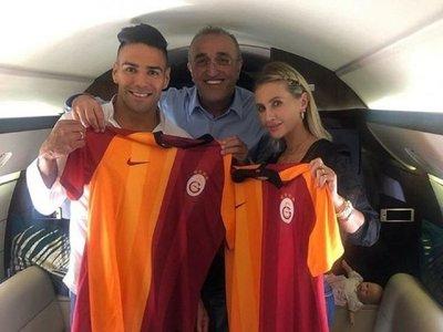 Falcao negocia en Estambul su fichaje con el Galatasaray