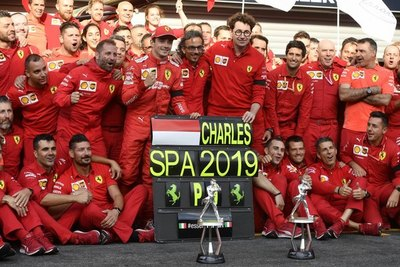 Leclerc se adueña del GP de Bélgica