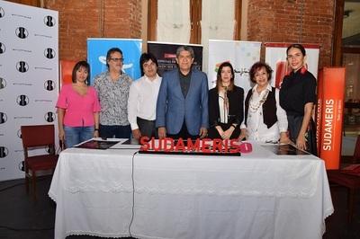 """Invitan a """"Una noche de película"""" con Luis Álvarez"""