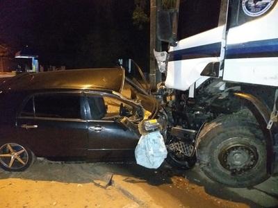 Scania se lleva todo por delante y mata a un hombre