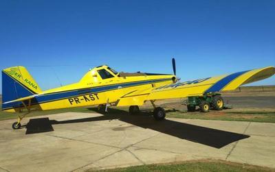 Dos avionetas hidrantes provenientes del Brasil se suman a los trabajos contra el avance del fuego en el Chaco