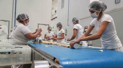 Mandatario visitó 3 fábricas que exportan al Mercosur, EE.UU. y Europa