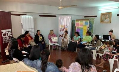 HOY / Mujeres indígenas denuncian peligro de muerte en comunidades por avance de incendios forestales