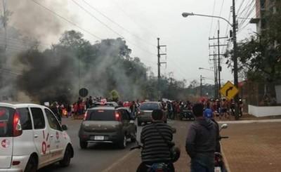 """Invasores de la """"Casa del Terror"""" cerraron tránsito contra Prieto"""