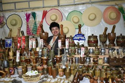 Inauguran feria artesanal en Ypacaraí