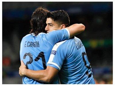 Suárez, Cavani y Godín vuelven a la lista para amistosos ante Perú