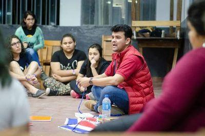 Director paraguayo dictó un taller en Argentina