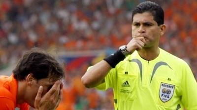 HOY / Denuncian al ex árbitro colombiano Óscar Ruiz por presunto abuso sexual a menor