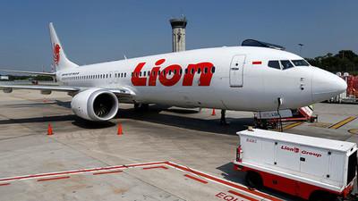 Relacionan fallos de diseño del Boeing 737 con accidente de 2018 en Indonesia