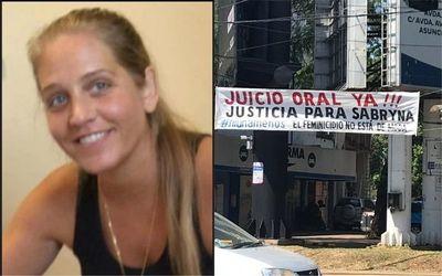 Claman por el juicio del caso de feminicidio de Sabryna Breuer