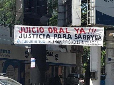 Familiares de Sabryna exigen juicio para acusado de feminicidio