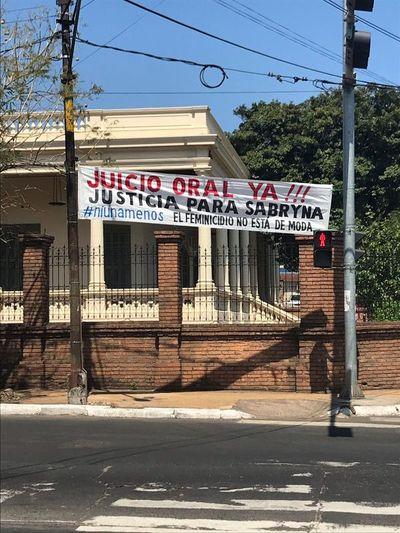 Solicitan celeridad en caso de feminicidio de Sabryna Breuer