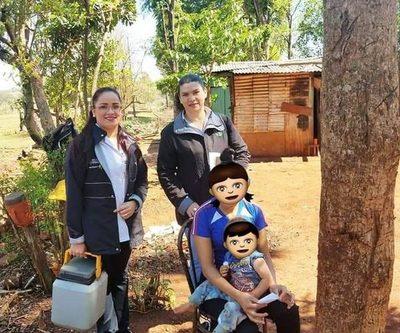 Con asistencia de CODENI, visitan a padres que niegan vacunación a niños