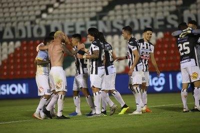 Santaní le ganó un partido clave a Luqueño
