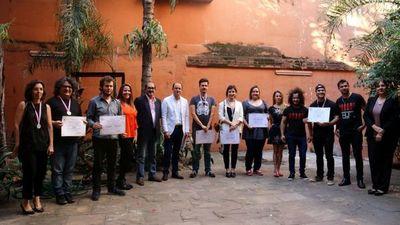 Paraguay reconoce el «profesionalismo y talento» de sus cineastas