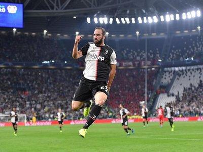 Higuaín y Cristiano dirigen el triunfo de Juventus ante Bayer