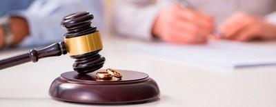 Denuncia al amante de su exesposa por destruir su matrimonio y consigue indemnización de 750.000 dólares