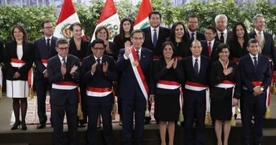 Gobierno de Perú ratifica su poder con nuevo gabinete y gran apoyo ciudadano