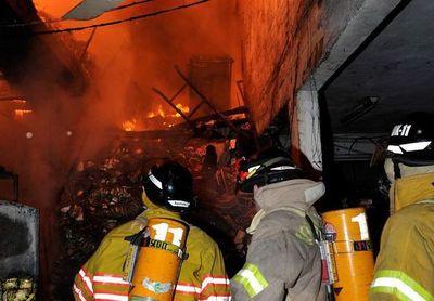 Sin capas, pero con casco y coraje, bomberos se convierten en héroes