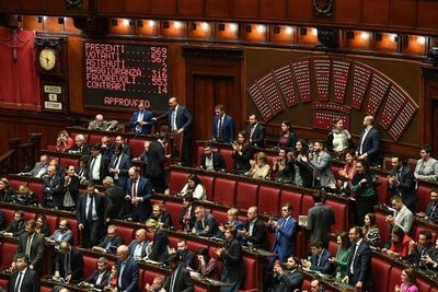 Italia aprueba reducir el número de parlamentarios