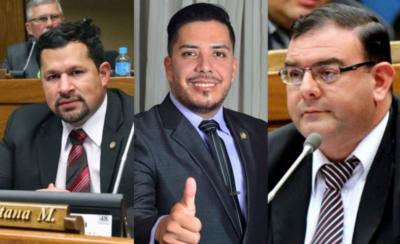HOY / Diputados aprovechan 'ruido' del caso Arrom-Martí y salvan a Ulises, Portillo y Rivas
