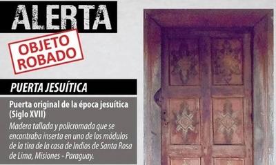HOY / Roban puerta de 300 años considerada como patrimonio cultural y solicitan emitir alerta a Interpol