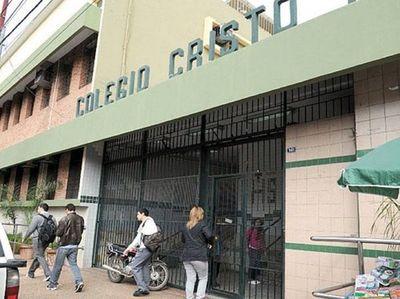 Abogado del Colegio Cristo Rey admite que todas las informaciones fueron entregadas al Ministerio Público