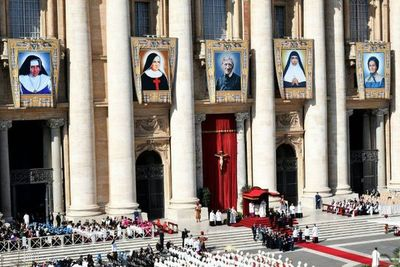 El papa canoniza a la primera santa brasileña