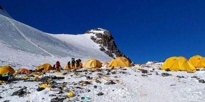 Los cadáveres que quedan expuestos en el Everest por el derretimiento