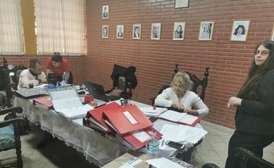 Ante denuncias de hechos de corrupción, MEC audita gestión de Miñarro en CRECE