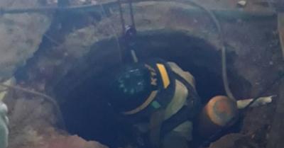 Bomberos salvaron a un hombre que cayó en pozo