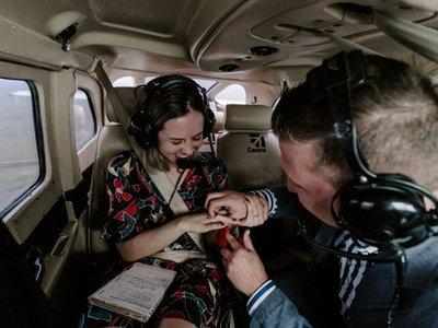 A 700 metros de altura le pidió que sea su esposa