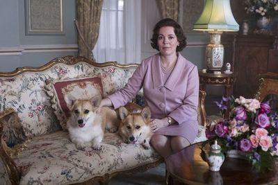 """""""The Crown"""" revela tráiler de nueva temporada con Olivia Colman como Isabel II"""